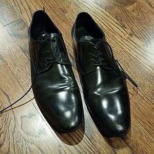 Like New Kenneth Cole Dress Shoes Size 11